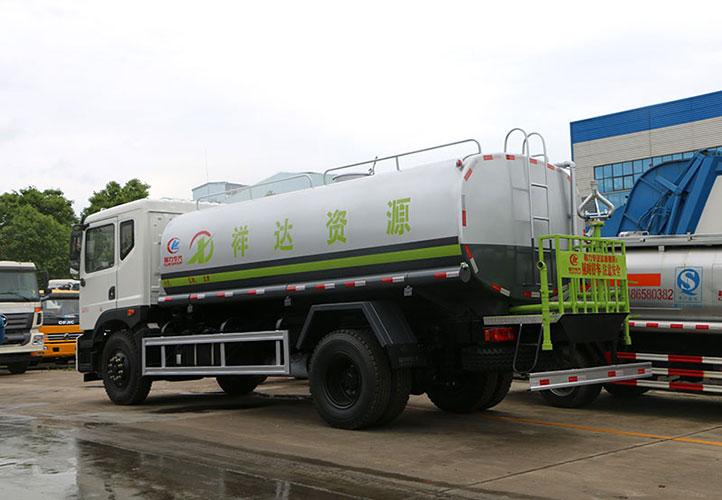 东风T5洒水车 15吨洒水车
